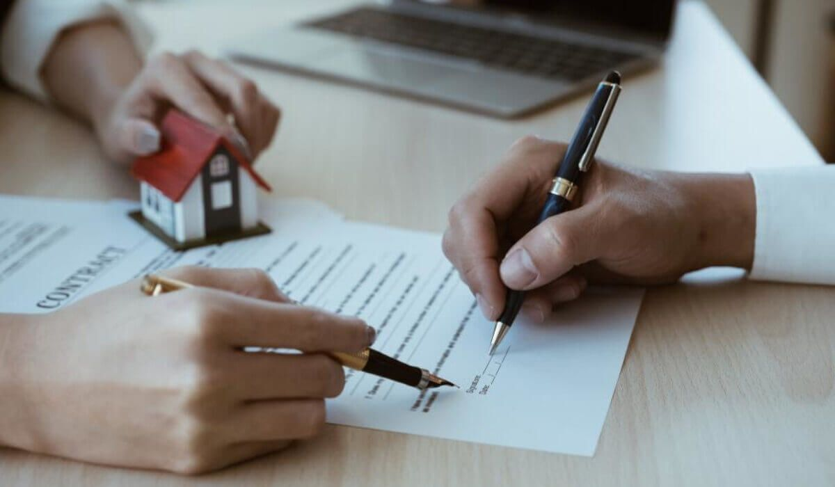 TIPS FOR THINGS YOU SHOULD NEVER DO WHEN BUYING A HOUSE (1)